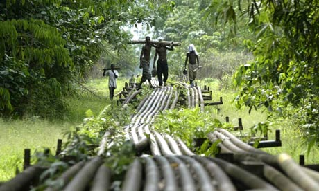 Nigeria oil pipes, Shell