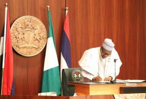 PDP under fire as Buhari signs executive order on suspicious assets