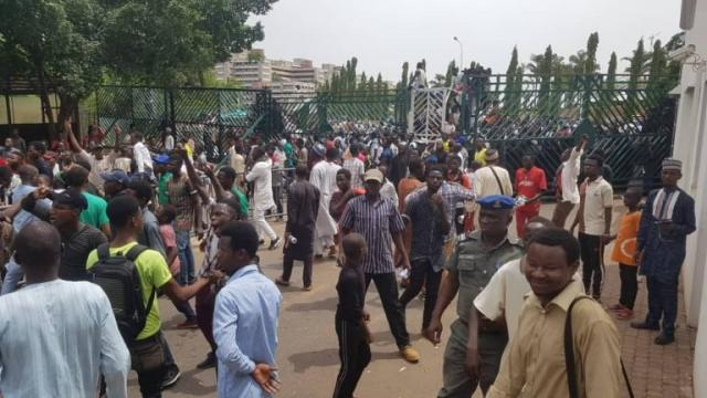 El-Zakzaky: Reps hurriedly adjourn after Shi'ites broke into NASS premises