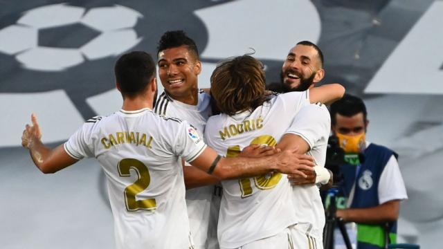 Real Madrid clinch 34th La Liga title as Barcelona suffer defeat