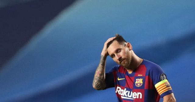 Lionel Messi tells Barcelona he wants to leave