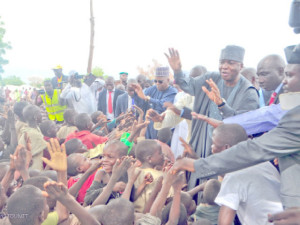 Saraki leads Senate delegation to North-East, donates N10m to IDPs