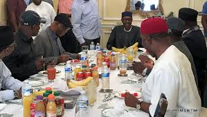 Buhari meets APC leaders in London